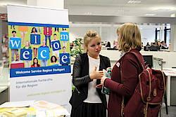 Beratung des Welcome Service Region Stuttgart, Frauen Wirtschaftstage 14.10.2016. Foto: WRS/Augustin.
